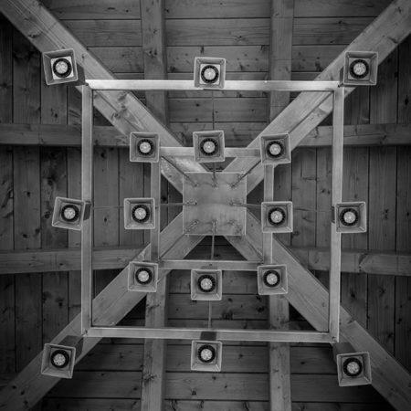 Kronleuchter Atura1 von unten einem Pavillion fotografiert