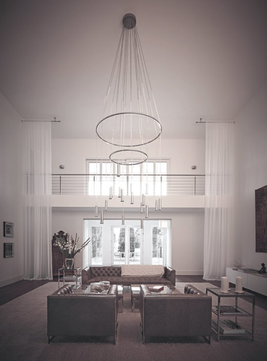 Kronleuchter Corona in luxuriösem Indoorbereich