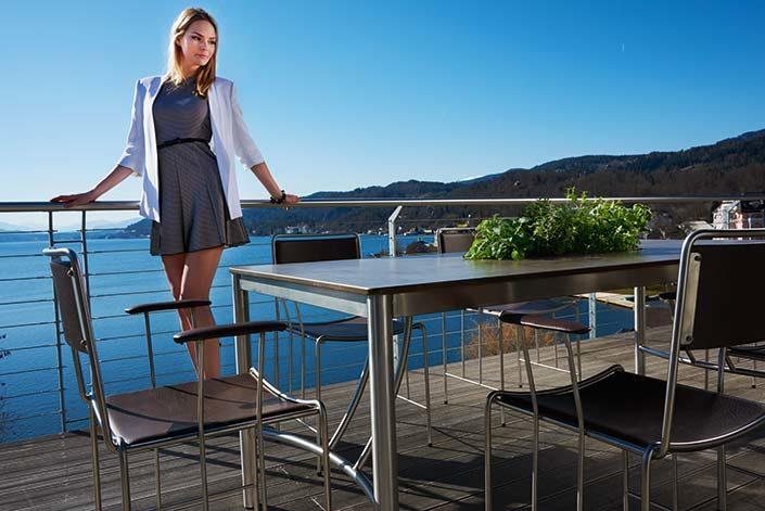 Gartentisch Cena mit mehreren Corio Gartenstühlen